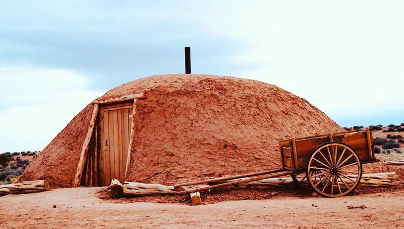Hogan Glamping on the Navajo Nation